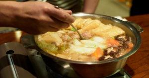 みんなで囲む鍋料理